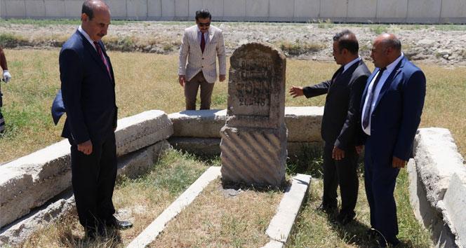 106 yıl önce ölen Alman mühendisin mezarı tampon bölgede bulundu