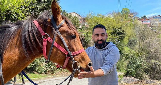15 bin liralık yarış atını arkadaşına hediye etti