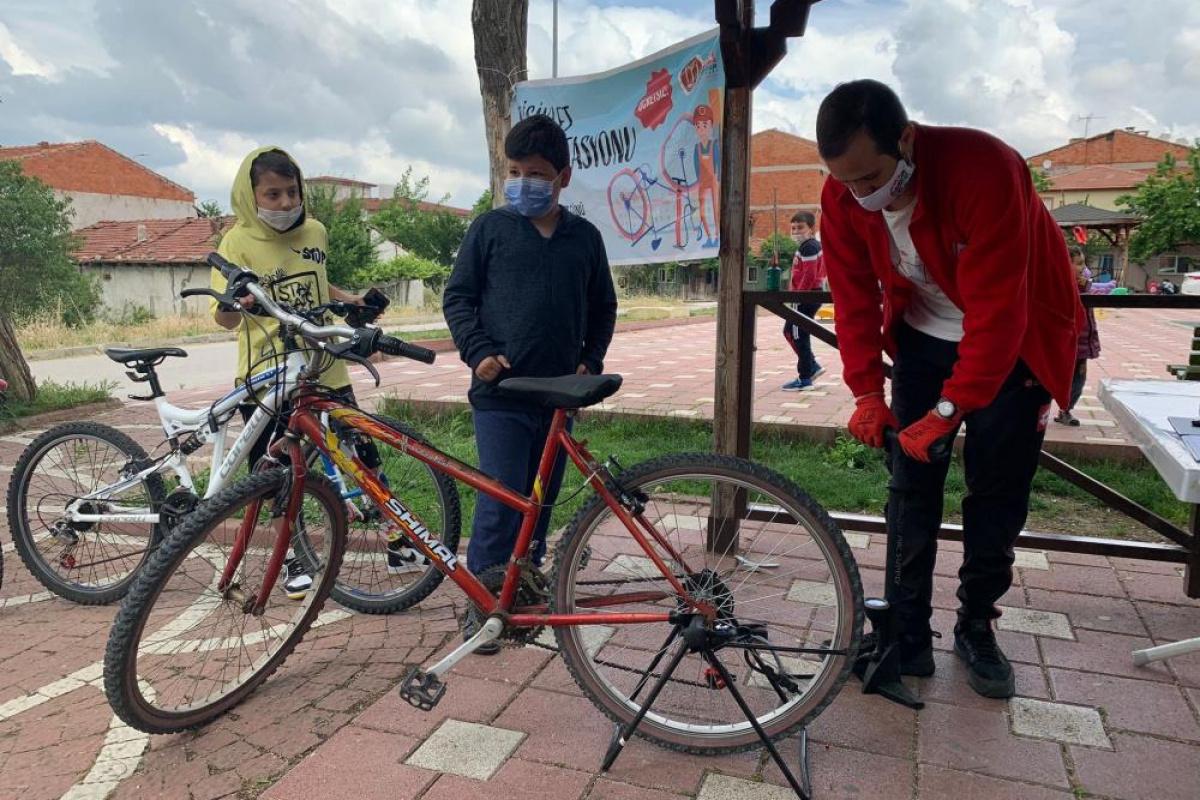 400 çocuk artık rahat rahat bisiklet binebilecek