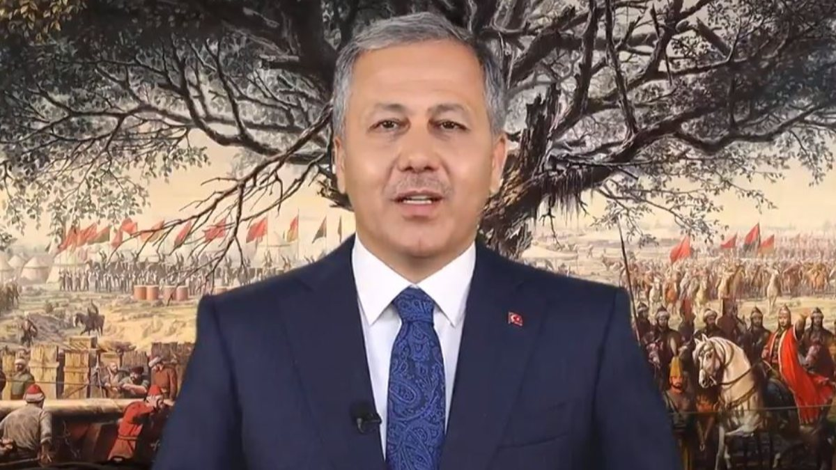 Ali Yerlikaya, İstanbul'un fethinin 568'inci yıl dönümünü kutladı
