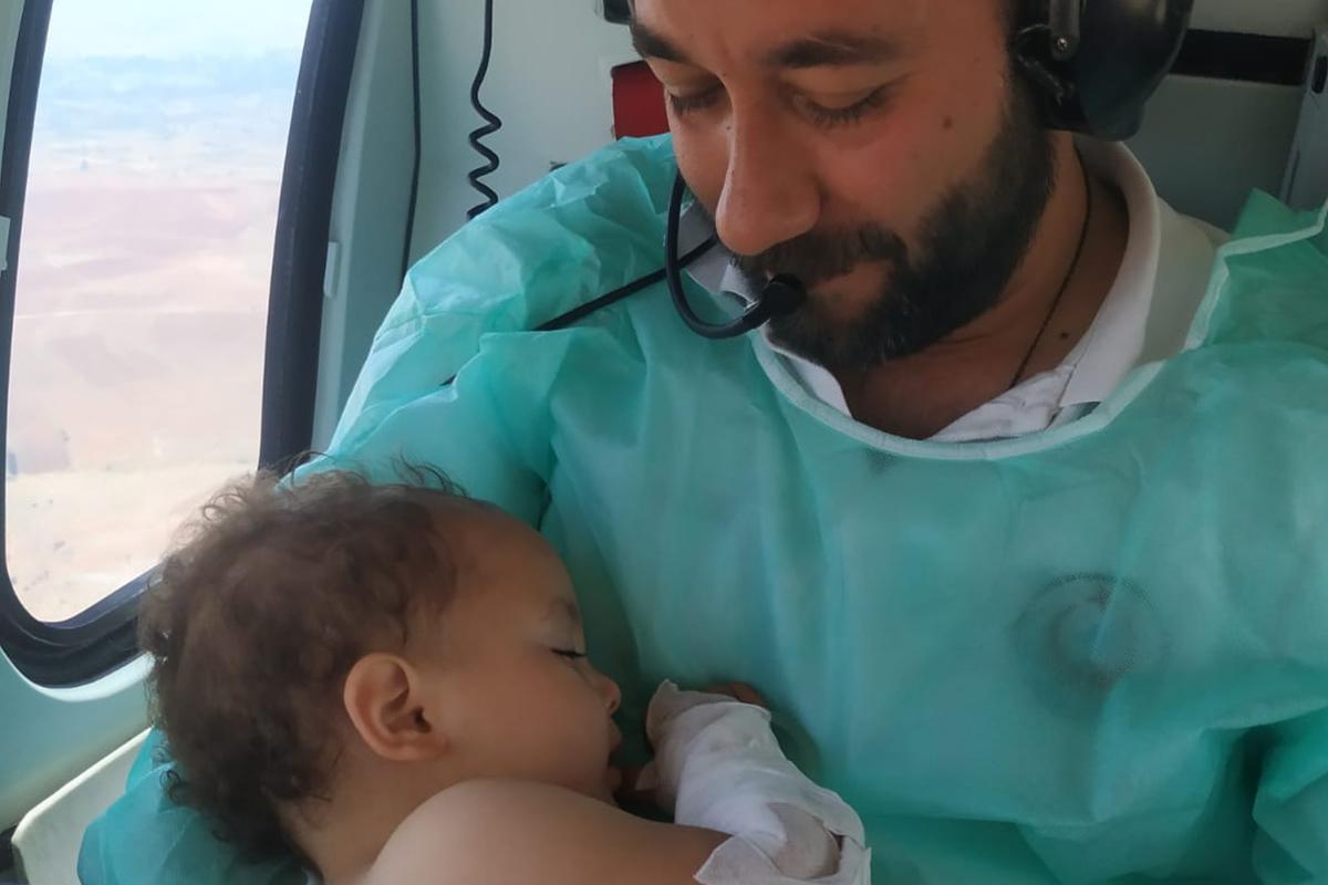Ambulans helikopterde görevli ATT, Türkiye'nin ikinci defa içini ısıttı