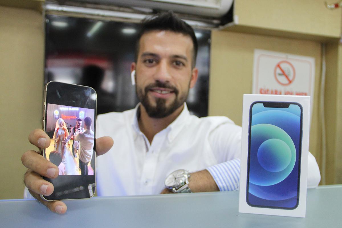 Antalya'da düğünde damada 11 bin TL'lik cep telefonu