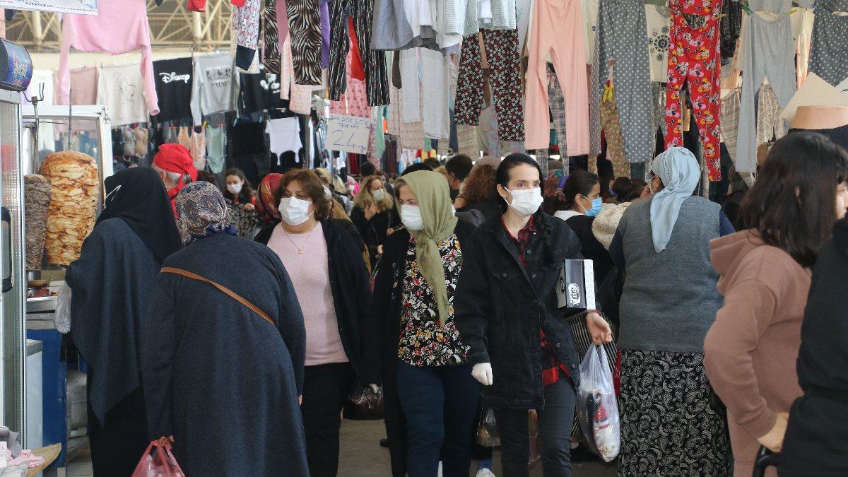 Antalyalılar pazarlara akın etti