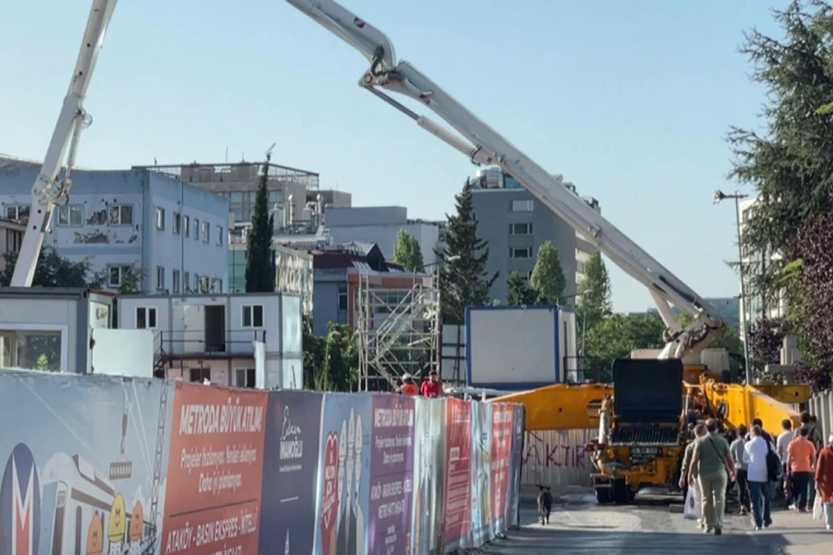 Ataköy-İkitelli metro hattının 3 yıl geciken inşaatında vatandaş isyan etti