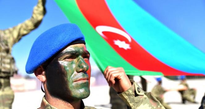 Azerbaycan askerlerinin komando eğitimleri tamamlandı