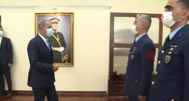 Bakan Akar, Türk Hava Kuvvetlerinin kuruluşunun 110'uncu yılını kutladı
