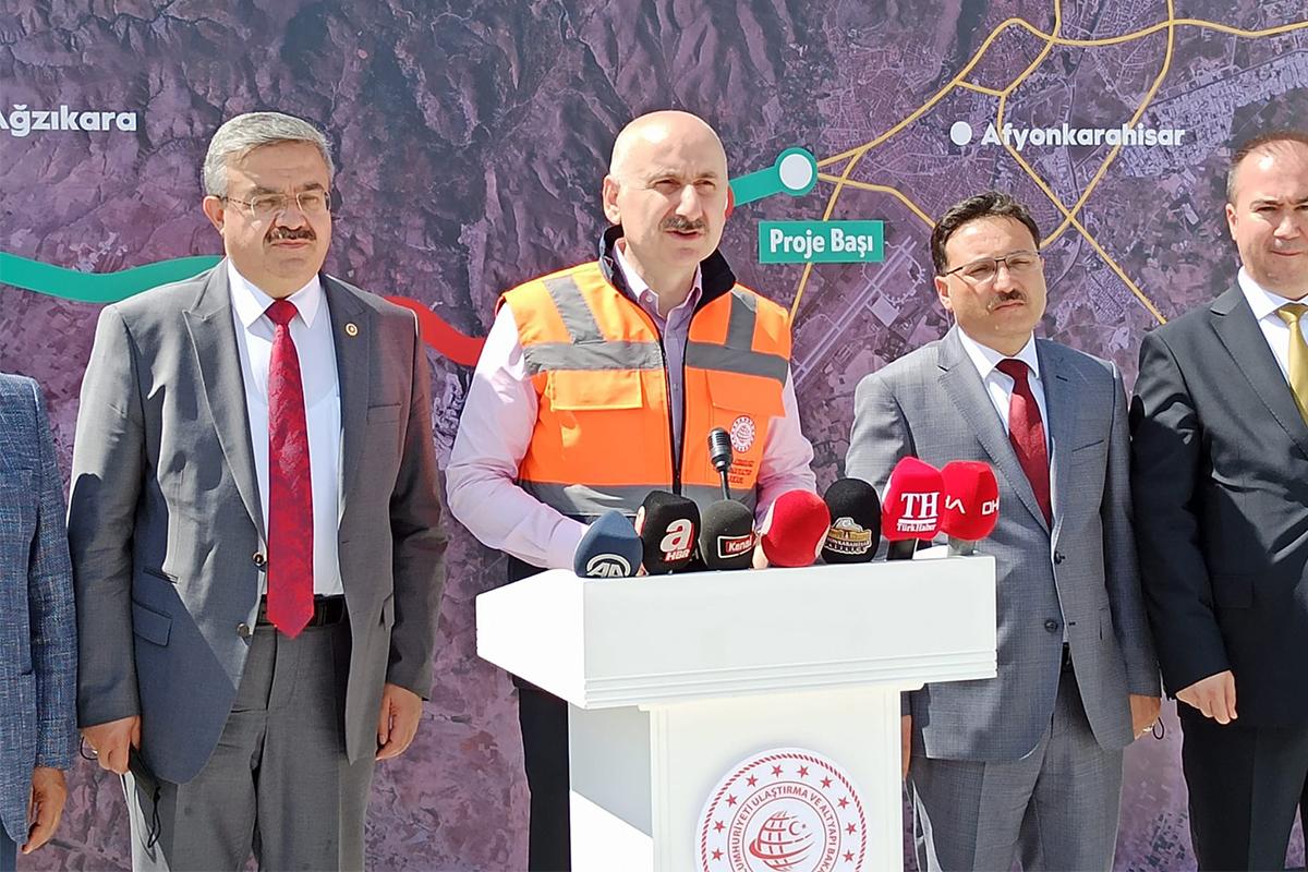 Bakan Karaismailoğlu: 'Afyonkarahisar'a 2003-2020 yılları arasında 6 milyar 440 milyon lira yatırım yaptık'