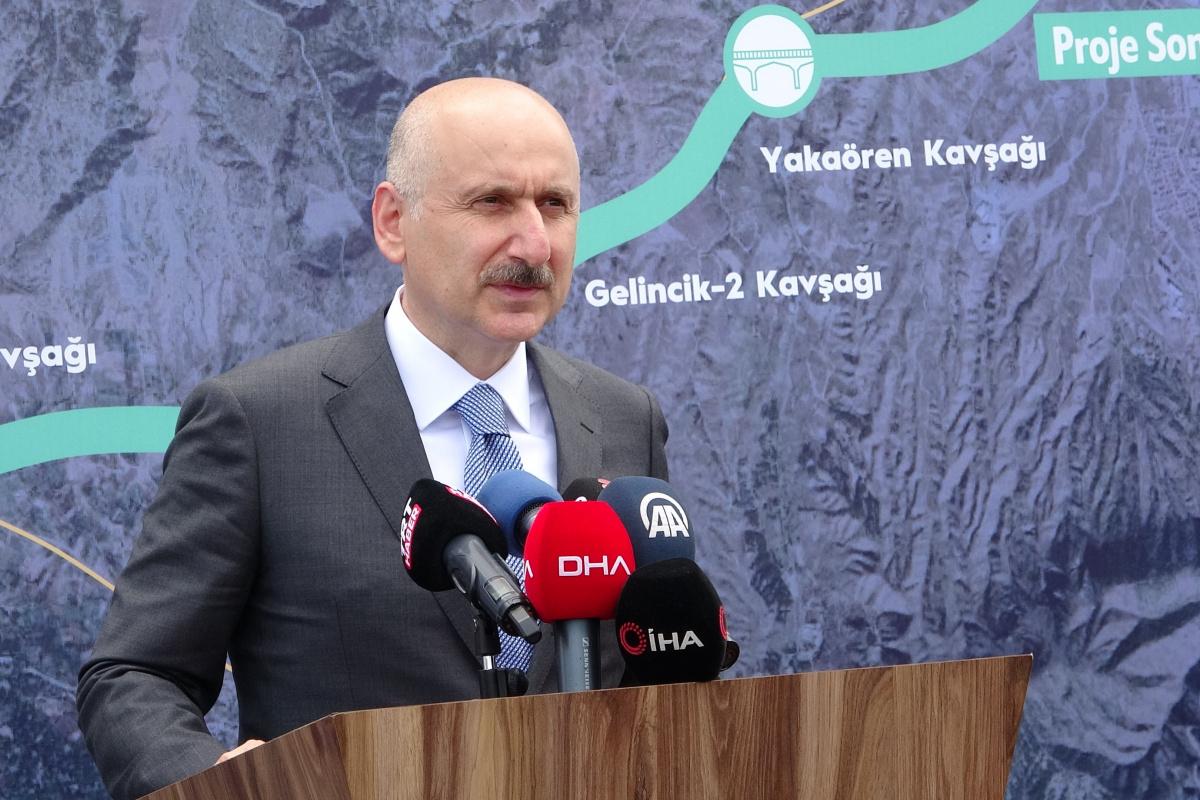 Bakan Karaismailoğlu: 'Isparta-Burdur arası dostluk yoluyla 21 kilometreden 14 kilometreye inecek'
