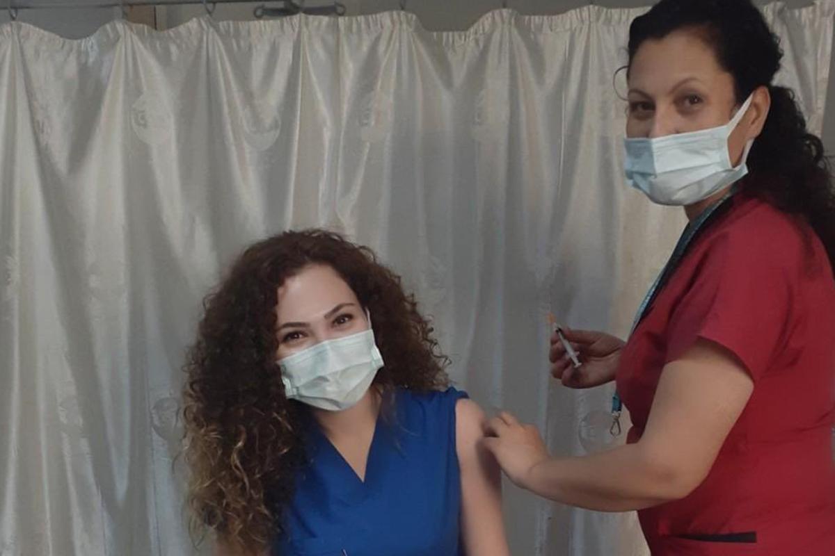 Bakan Koca, Şule hemşireyi unutmadı, herkesi aşı olmaya davet etti