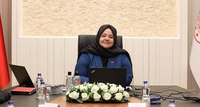 Bakan Selçuk: 'Türkiye'nin Mühendis Kızları projesi ile 75 lisede 22 bin 500 öğrenciye ulaştık'