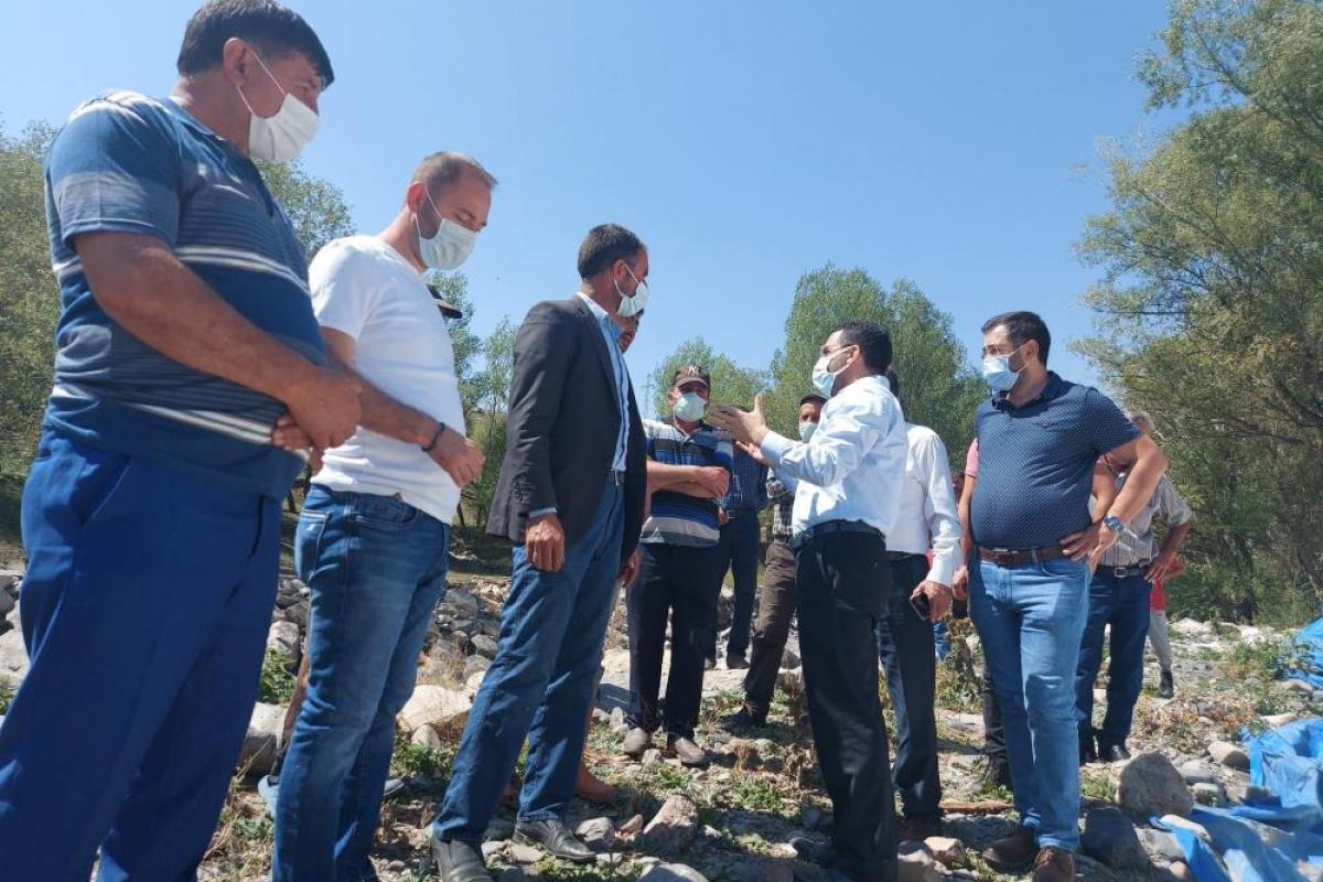 Başkan Çalkın, selin vurduğu Aynalı köyünde!