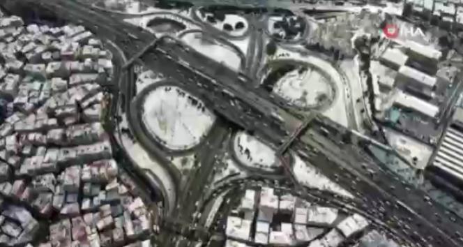 Beyaz örtü altındaki İstanbul havadan görüntülendi