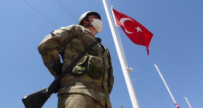 Bingöl'de 28 yıl önce haince şehit edilen 33 asker törenle anıldı