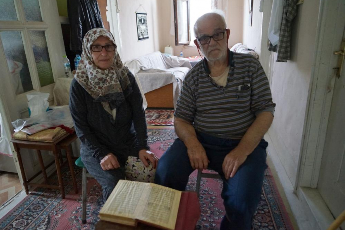 Bingül teyzeye eşinin 35 yıl önce hediye ettiği Kur'an-ı Kerim'i Mehmetçik enkazda buldu