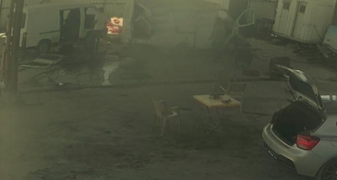 Çaldıkları otomobili parçalayıp hurdaya çıkardılar