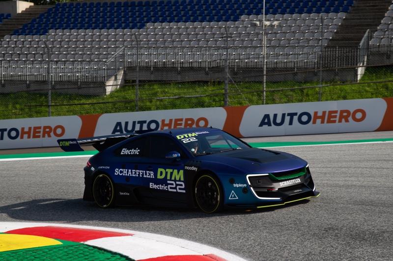 Cisco sürücüsüz otomobil yarışı çağını başlatıyor