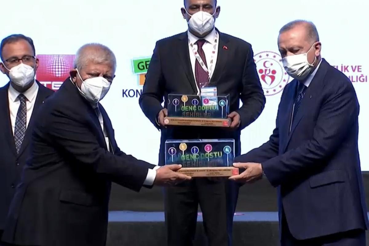 Cumhurbaşkanı Erdoğan'dan Amasya Belediyesi'ne ödül