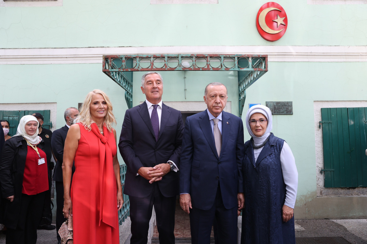 Cumhurbaşkanı Erdoğan, eski Osmanlı Sefaret Binası'nı ziyaret etti