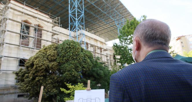 Cumhurbaşkanı Erdoğan, İstanbul'da çeşitli yerlerde incelemelerde bulundu