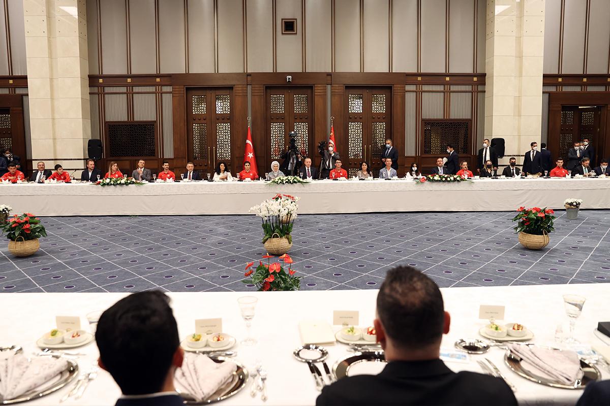 Cumhurbaşkanı Erdoğan: 'Türkiye 13 madalya kazanarak bir rekora imza attı'