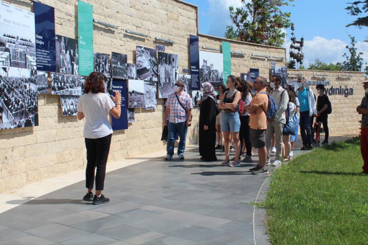 Demokrasi ve Özgürlükler Adası yeni haliyle vatandaşın ziyaretine açıldı