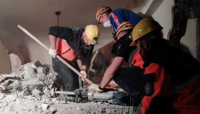Deprem sonrası kurtarma ekibinde yer almışlardı! Kahramanlar o anları anlattı