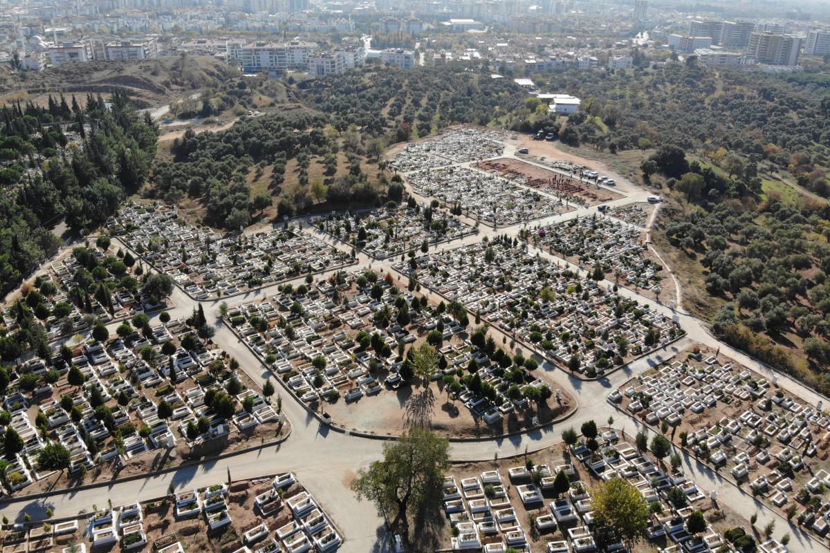 Efeler'de mezarlıklar genişletilecek