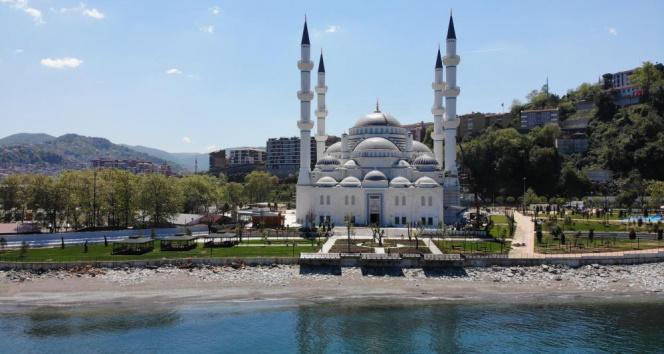 Erdoğan'ın açılışını yapacağı Uzunmehmet Camii'nde sona gelindi