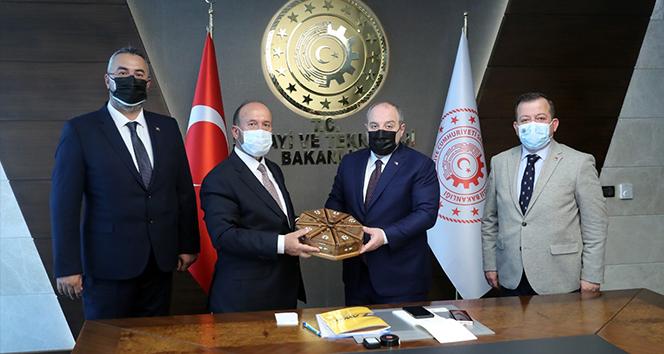 Fore kazık imalatında çığır açacak milli projeye Bakan Varank'tan destek sözü