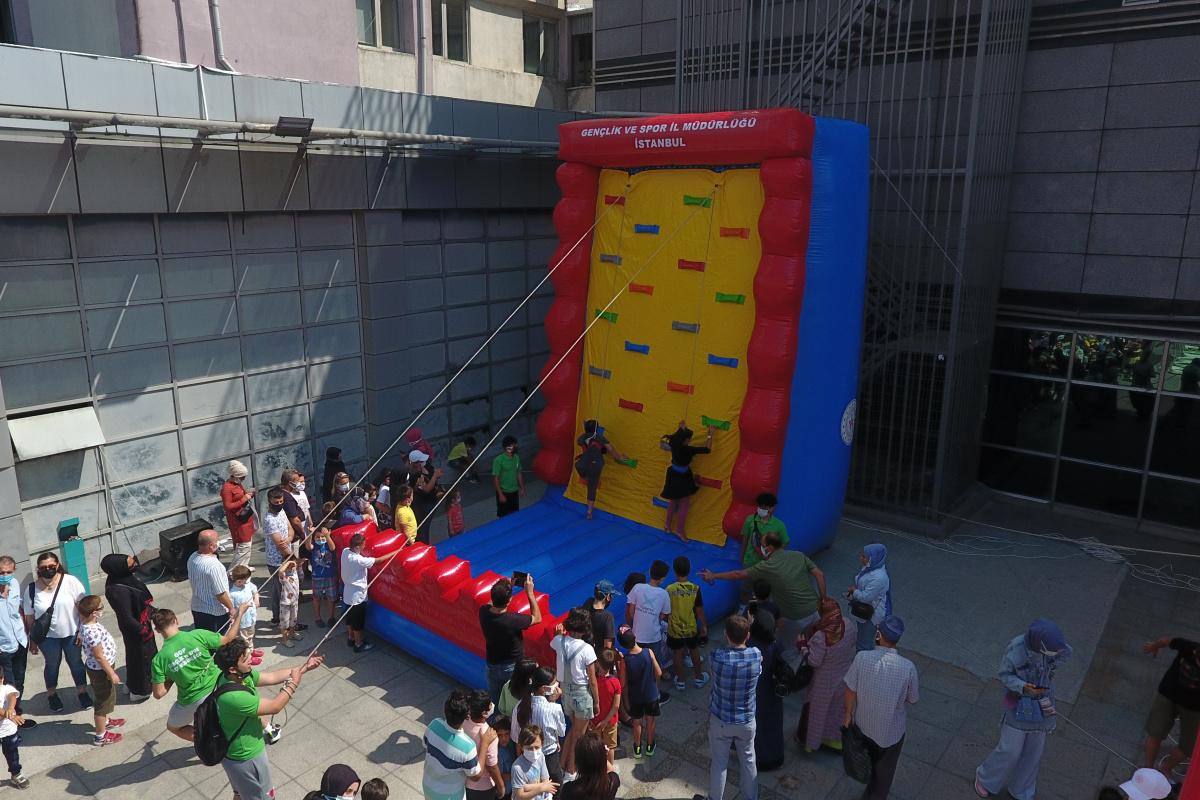 Gaziosmanpaşa Meydanı spor merkezine dönüştü