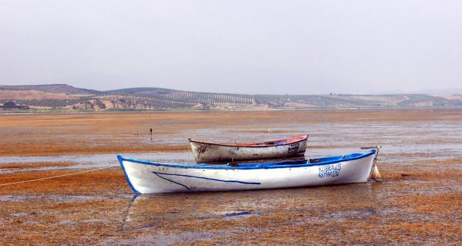 Göl suları çekildi izinsiz tarım yapanlara ceza yağdı
