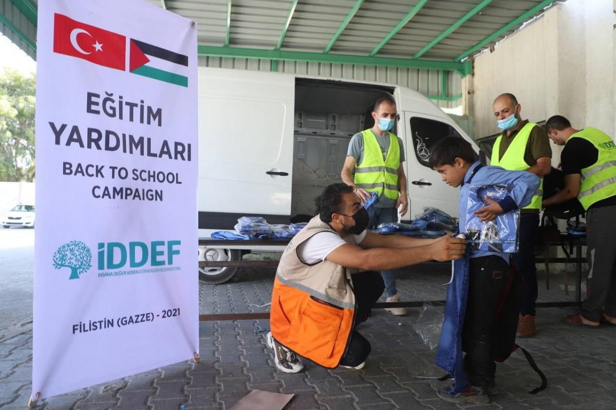 İDDEF'ten öğrencilere eğitim seti desteği