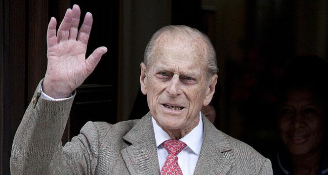 İngiltere Kraliçesi II. Elizabeth'in eşi Prens Philip için 41 pare top atışı