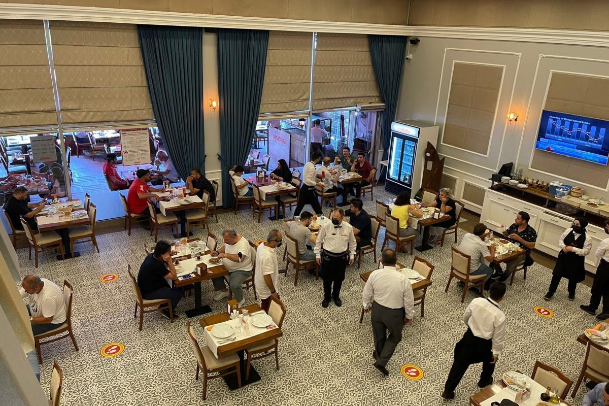 İstanbul'da 1 Temmuz'dan itibaren kafe ve restoranlar tam kapasite hizmet vermeye başladı