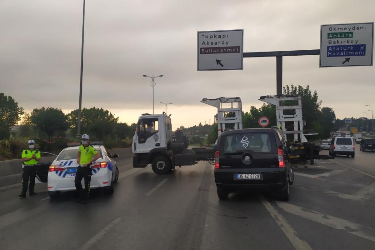İstanbul'da 30 Ağustos Zafer Bayramı nedeniyle Vatan Caddesi trafiğe kapatıldı