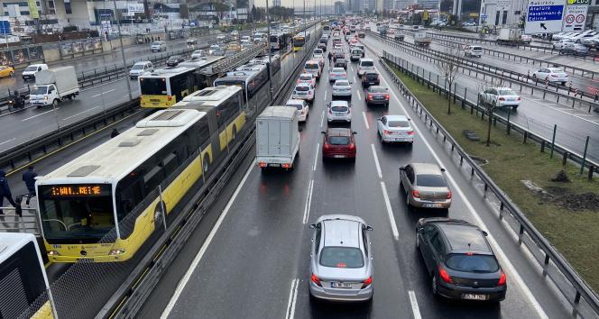 İstanbul'da akşam trafiği yüzde 71 seviyesine çıktı