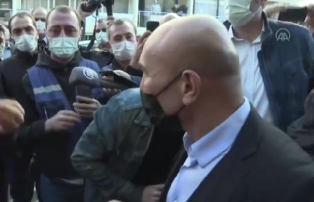 İzmirli vatandaş, Kılıçdaroğlu'nun önünde Tunç Soyer'e tepki gösterdi: Kaç gündür yoksunuz