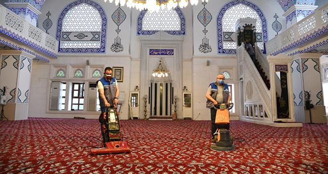 Kadıköy'de camilerde Ramazan ayı temizliği