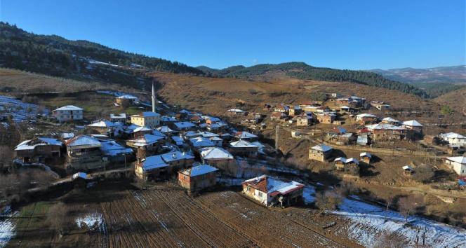 Kırmızı Balıkesir'in mavi boncuklu köyleri