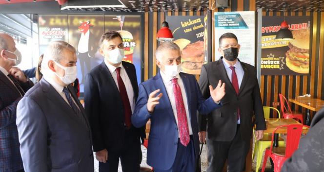 Kırmızıya dönen Antalya'da yoğun bakım doluluk oranı yüzde 58