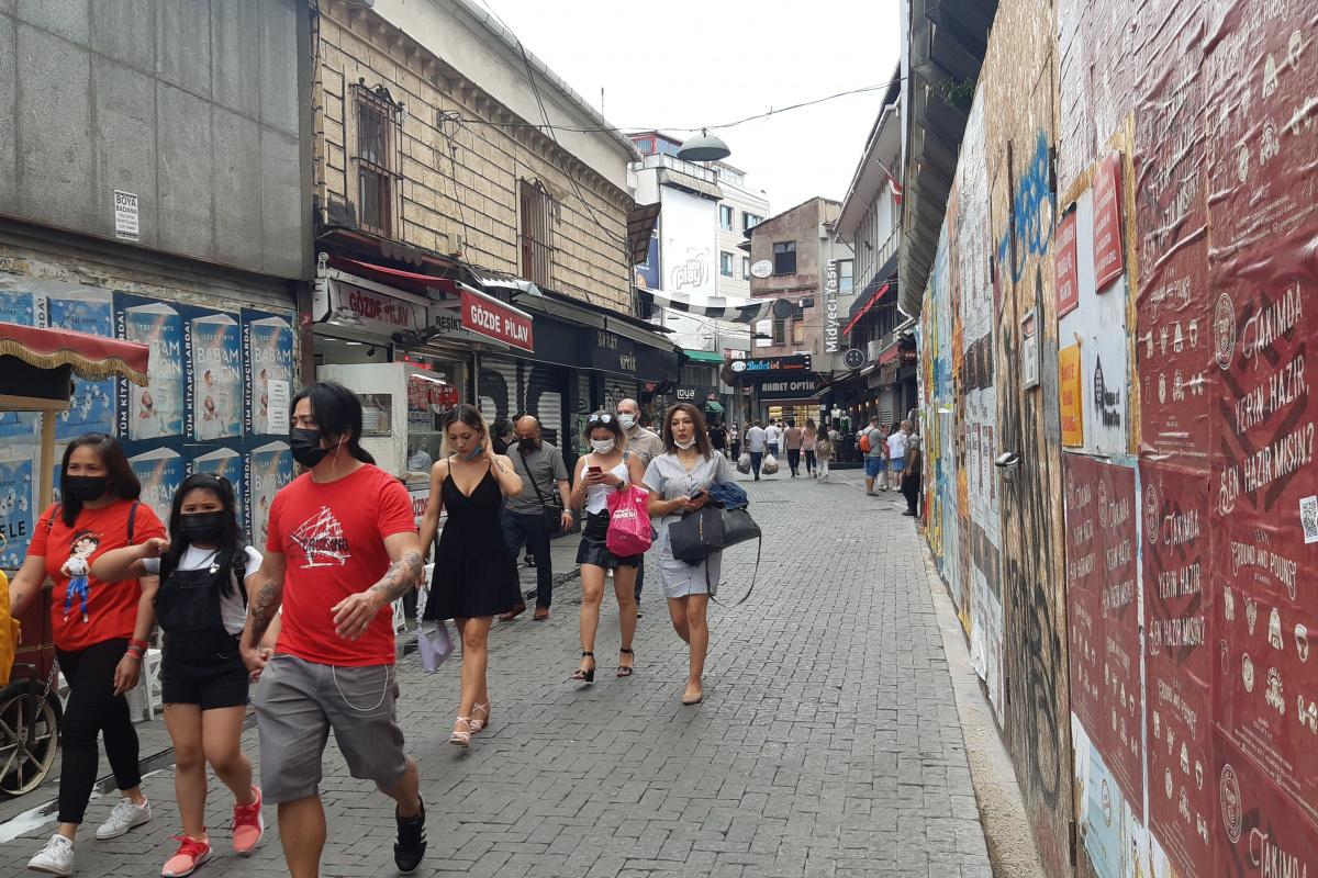 Kısıtlamasız ilk pazar gününde vatandaşlar Beşiktaş'a akın etti
