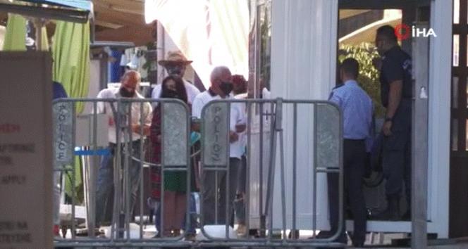 KKTC ile Güney Kıbrıs arasındaki sınır kapıları 15 ay sonra yeniden açıldı