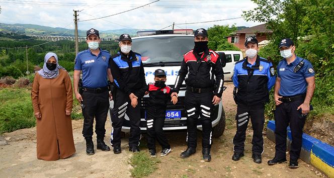 Küçük çocuğun hayalini polisler gerçekleştirdi
