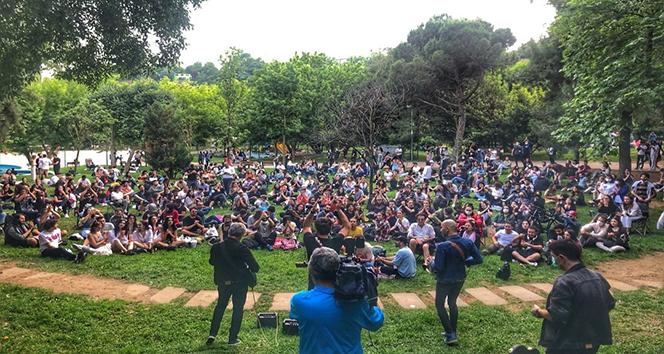 Maçka Parkı'nda korona virüsü hiçe sayarak açık hava konseri verdiler