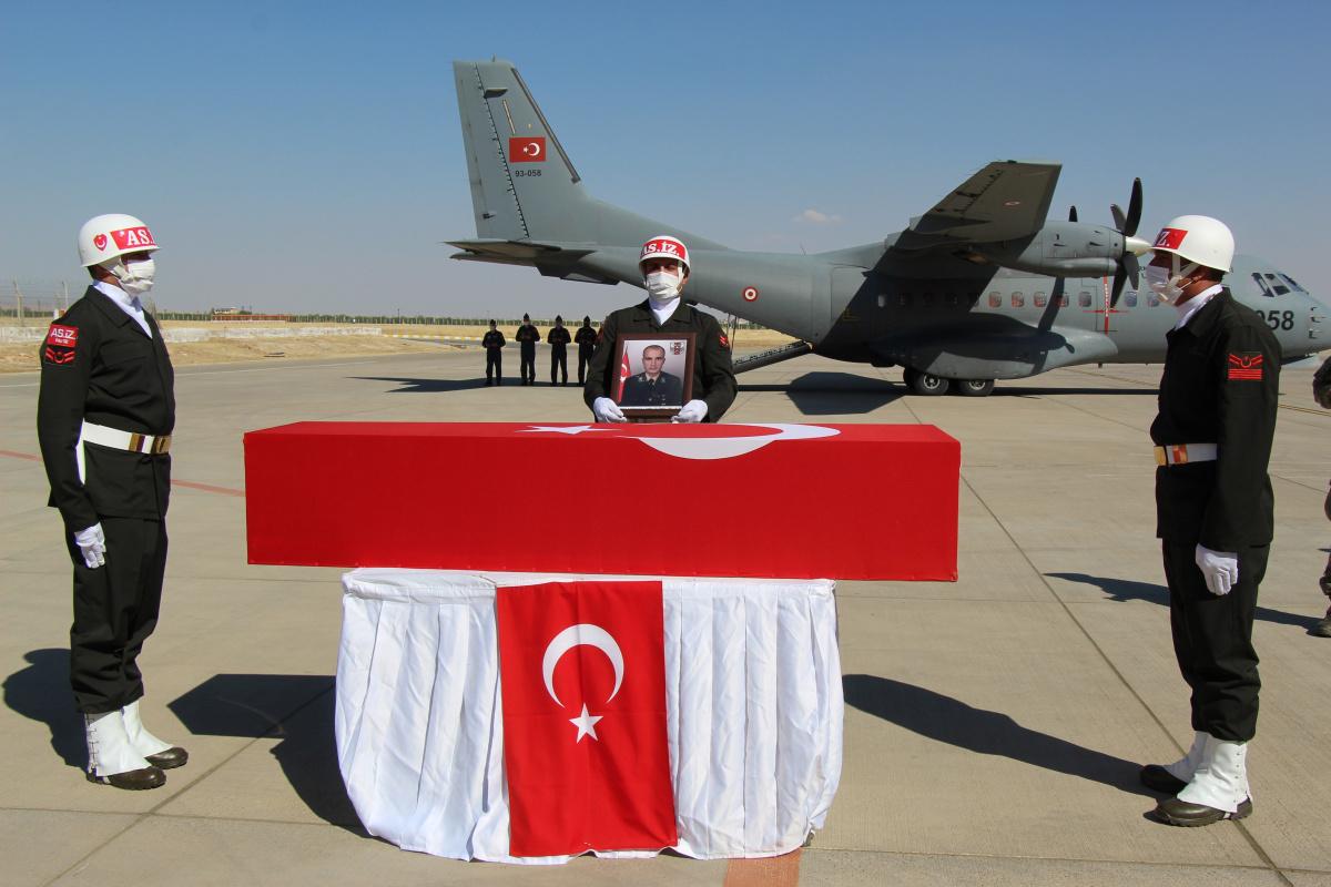 Mardin'de şehit olan asker için tören düzenlendi