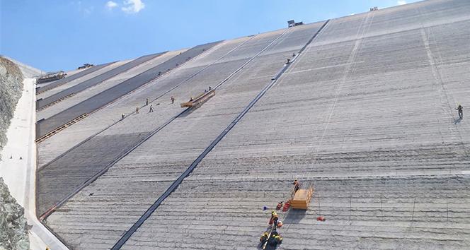 Mersin Sorgun Barajı'nda çalışmalar aralıksız devam ediyor