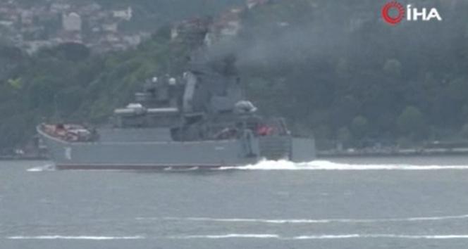 Rus ve İngiliz gemileri İstanbul Boğazı'ndan geçti