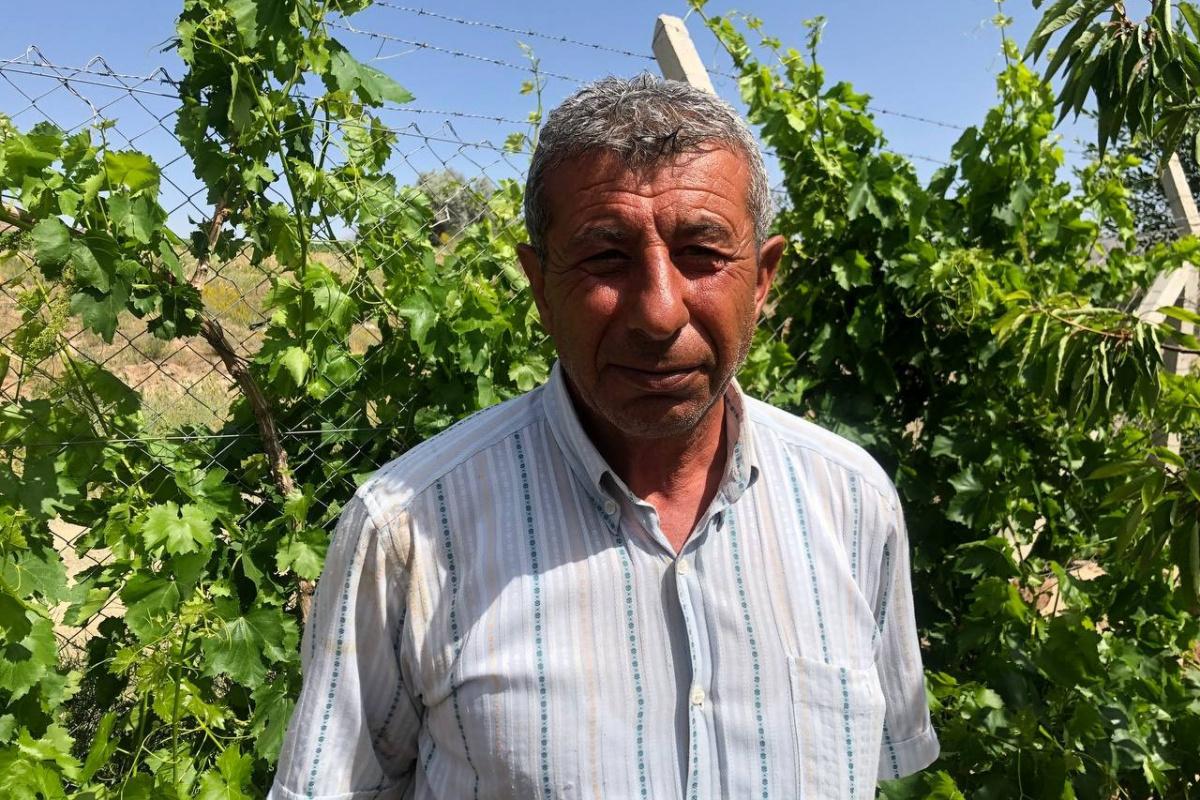 Şehit babası bahçe çapalarken İHA'ya konuştu