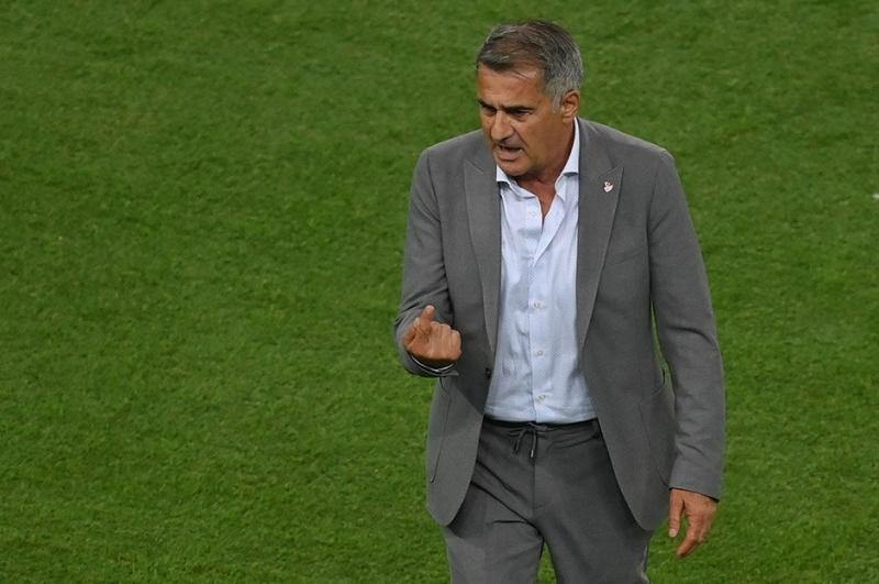 Şenol Güneş, Avrupa Futbol Şampiyonası'ndaki ilk galibiyetini istiyor