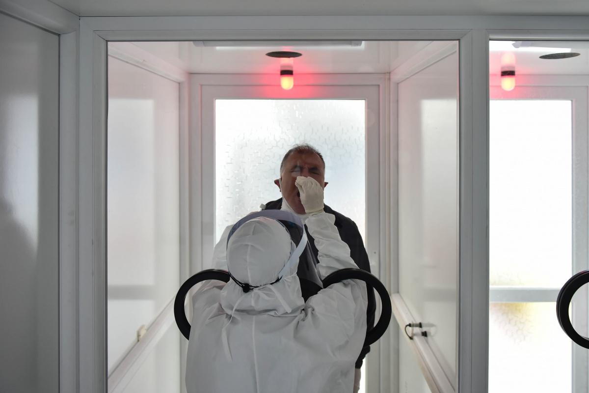 Son 24 saatte korona virüsten 296 kişi hayatını kaybetti